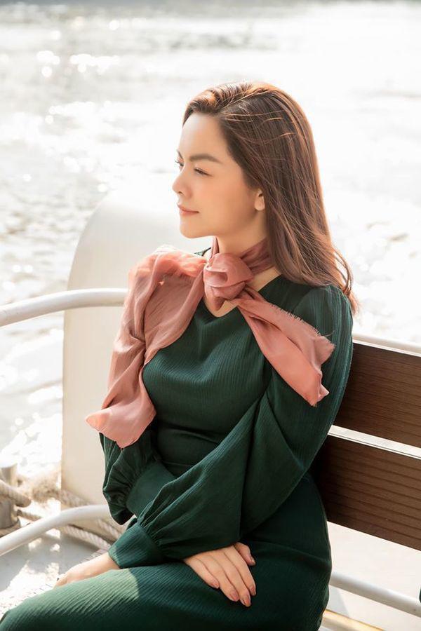 Than thở chuyện vóc dáng đẫy đà nhưng Phạm Quỳnh Anh vẫn diện váy ôm sát đẹp xuất sắc - Ảnh 15.