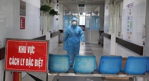 """""""Quản lý chặt chẽ cả những người đi qua bệnh viện Bạch Mai trong vòng 10 phút"""" - Ảnh 1."""