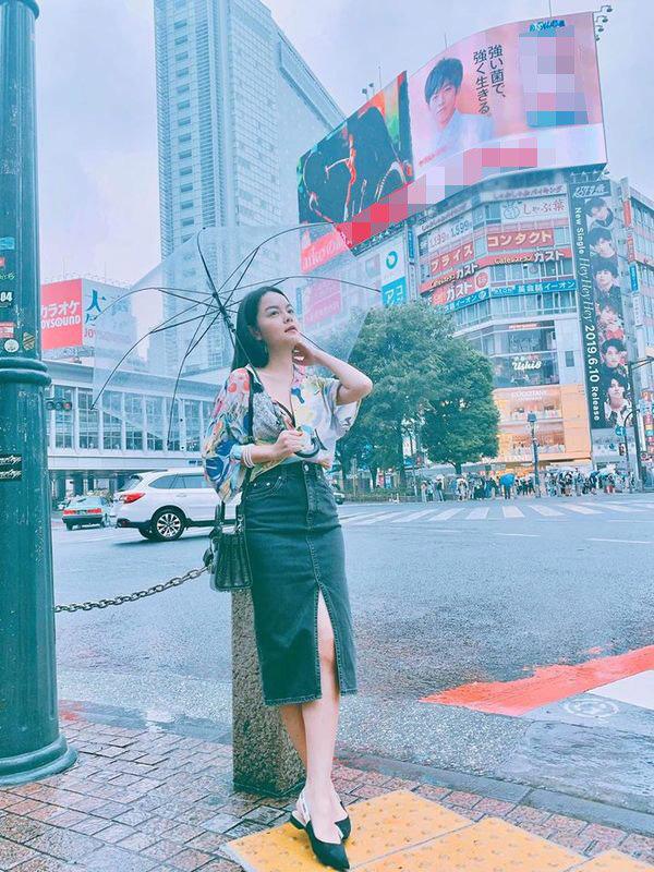 Than thở chuyện vóc dáng đẫy đà nhưng Phạm Quỳnh Anh vẫn diện váy ôm sát đẹp xuất sắc - Ảnh 11.