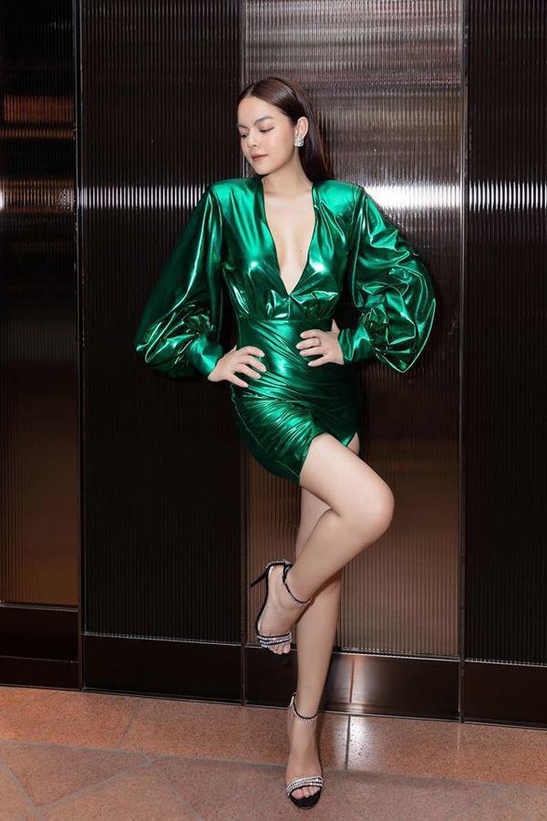 Than thở chuyện vóc dáng đẫy đà nhưng Phạm Quỳnh Anh vẫn diện váy ôm sát đẹp xuất sắc - Ảnh 6.