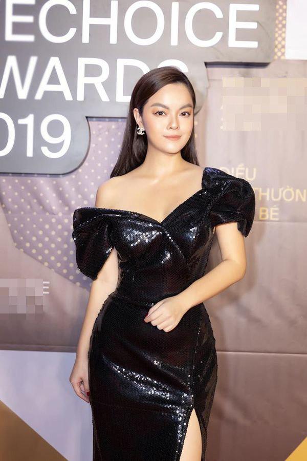Than thở chuyện vóc dáng đẫy đà nhưng Phạm Quỳnh Anh vẫn diện váy ôm sát đẹp xuất sắc - Ảnh 5.