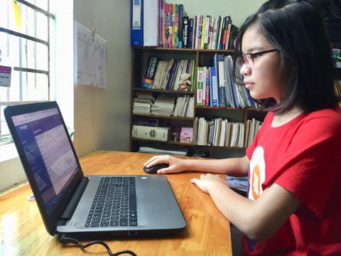 Một học sinh lớp 7 ở Hà Nam tiết kiệm tiền mua máy tính để ủng hộ chống dịch Covid-19 - Ảnh 2.