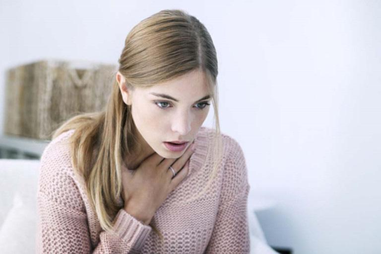 Có phải nhiễm Covid-19 nếu đột nhiên xuất hiện triệu chứng đau họng và ho - Ảnh 4.