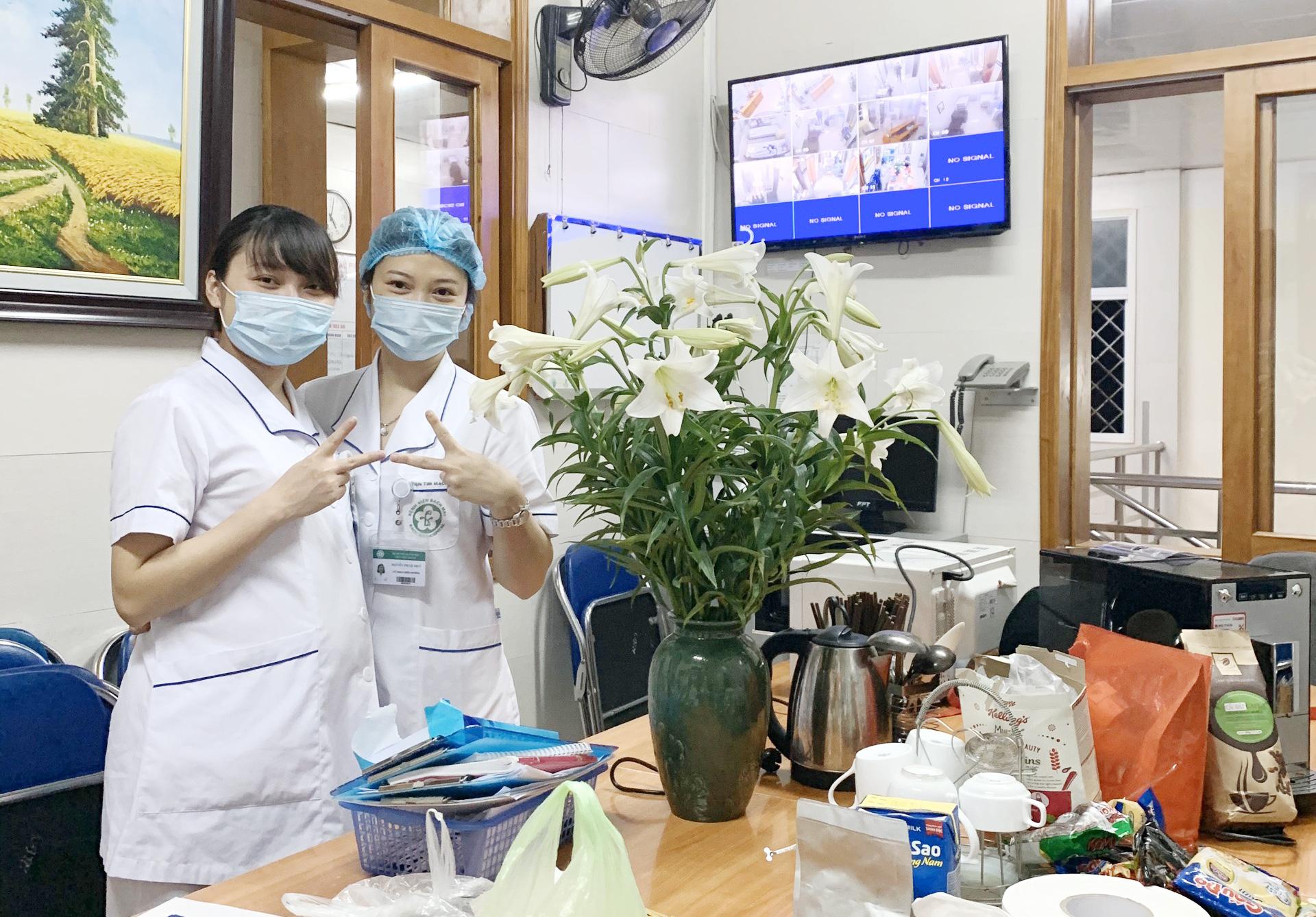 Nữ điều dưỡng mang thai tháng cuối, tình nguyện ở lại Bệnh viện Bạch Mai cùng đồng nghiệp chống dịch - Ảnh 3.