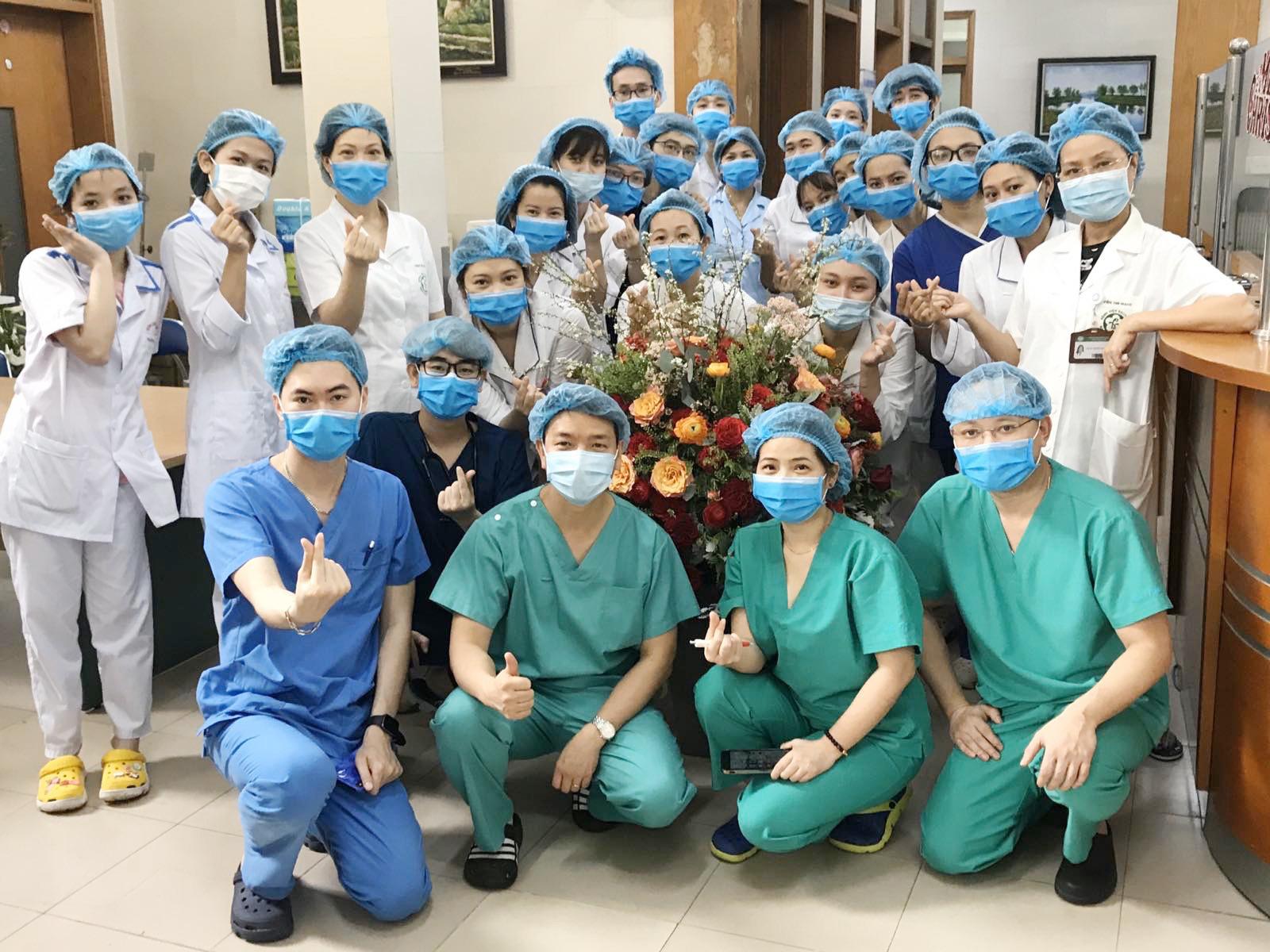 Nữ điều dưỡng mang thai tháng cuối, tình nguyện ở lại Bệnh viện Bạch Mai cùng đồng nghiệp chống dịch - Ảnh 8.
