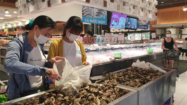 Dân không lo thiếu thực phẩm, Hà Nội đã dự trữ 500% hàng hoá để cách ly xã hội - Ảnh 1.