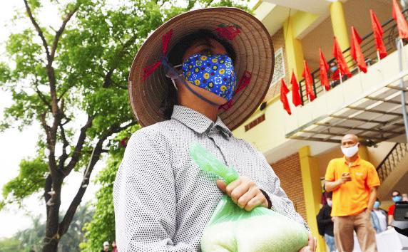 """""""Cây ATM gạo"""" miễn phí đầu tiên tại Hà Nội chia sẻ khó khăn trong mùa dịch Covid-19 - Ảnh 4."""