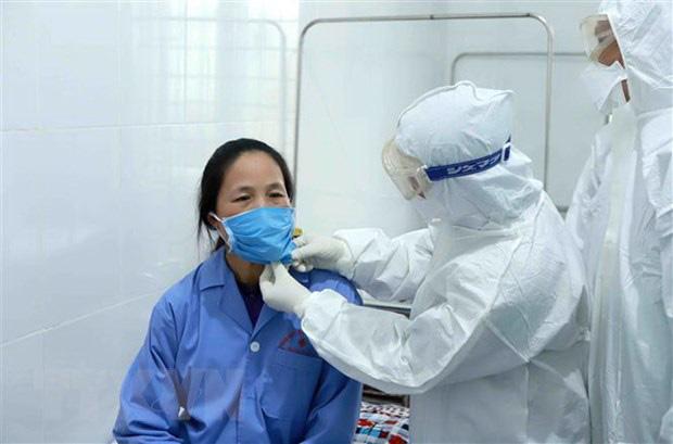 BV Bạch Mai đã kiểm soát tốt dịch bệnh, vẫn tiếp nhận chữa trị bệnh nhân nặng  - Ảnh 2.