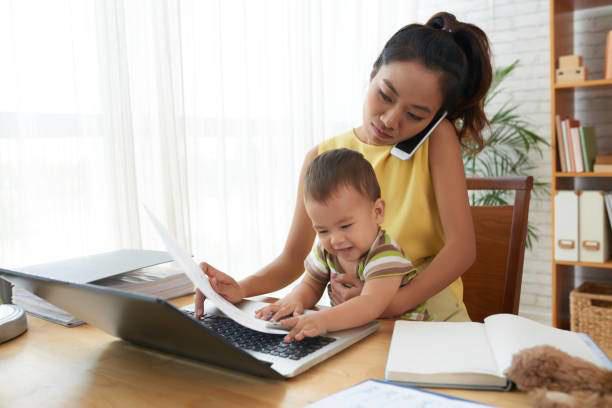 """Mẹ bỉm sữa làm việc online tại nhà mùa dịch: Những sự cố """"cười ra nước mắt"""" - Ảnh 4."""