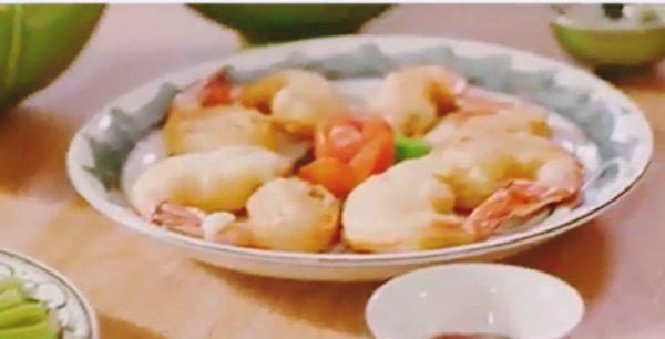 """Soái ca nhà 35 tỷ nấu ăn, khẳng định """"Bào ngư vi cá không bằng bữa cơm có ba má"""" - Ảnh 6."""