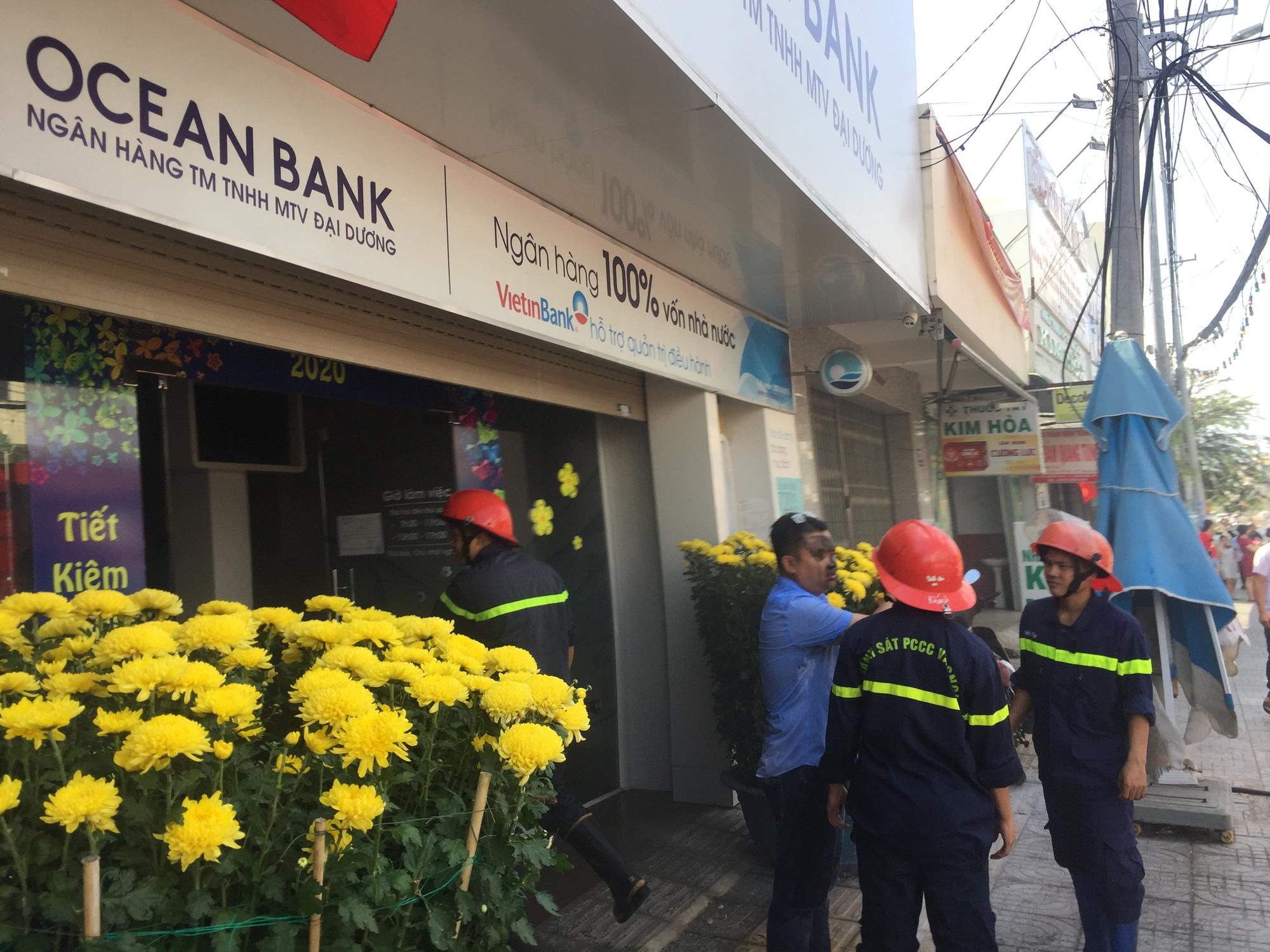 TP Vũng Tàu: Cháy tại chi nhánh ngân hàng Ocean Bank trưa mùng 3 Tết - Ảnh 1.