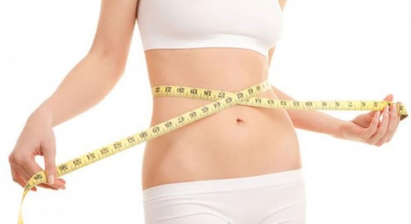 Giảm cân: Vải là trái cây có hàm lượng calo thấp (100 gram chỉ chứa 66 calo). Nó cũng chứa rất nhiều nước, một lượng đáng kể chất xơ và có hàm lượng chất béo không đáng kể. Điều này làm vải trở thành loại trái cây lý tưởng cho những ai muốn giảm cân.