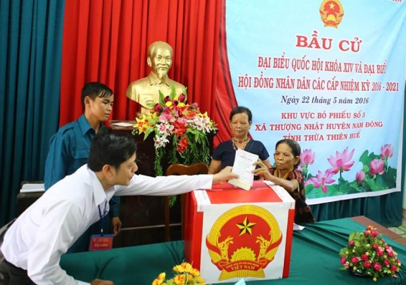 Cử tri xã Thượng Nhật, Nam Đông tham gia bỏ phiếu