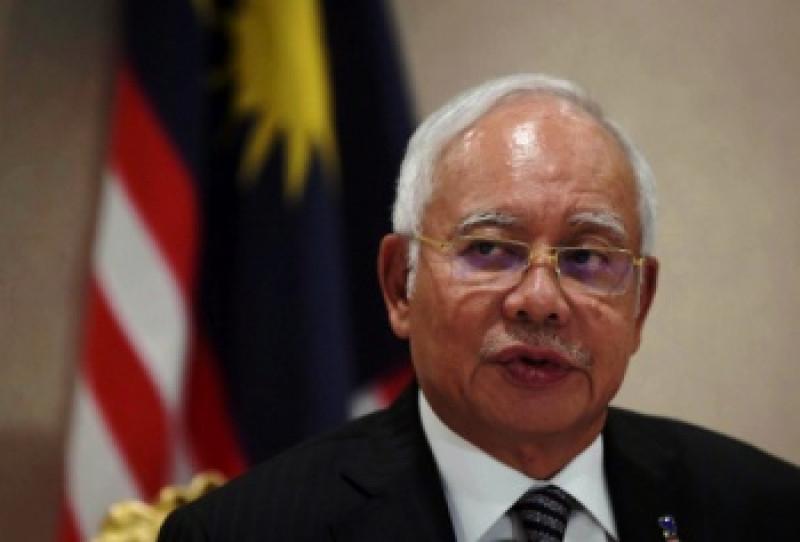 Thủ tướng Malaysia Najib Razak đăng tweet chia sẻ nỗi đau với gia đình các nạn nhân. Một bộ trưởng chính phủ đã nói rằng vụ tai nạn này cần phải được điều tra nhanh chóng và cần ngăn ngừa thảm họa tương tự trong tương lai.