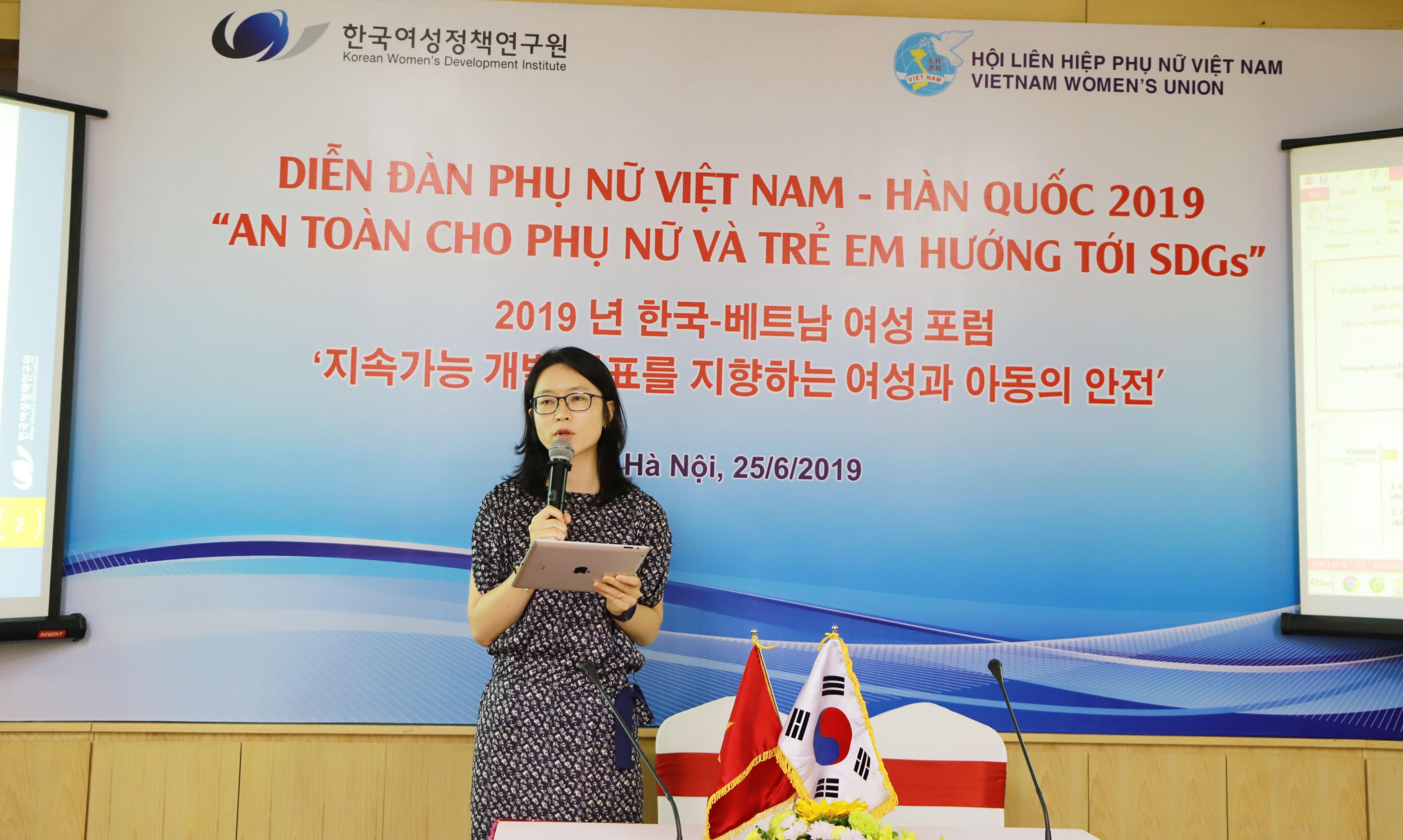 jeong-hye-kim-dien-dan-phu-nu-viet-han-4.JPG