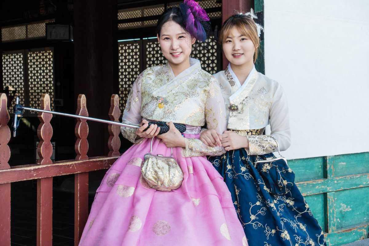 women-traditional-dress-korea-selfie-stick.jpg