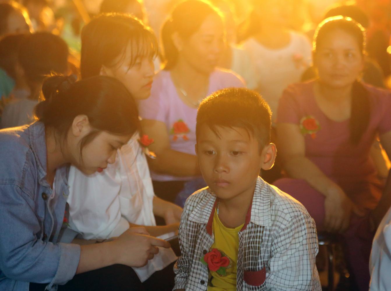 Lễ Vu lan Báo hiếu Kim Sơn Lạc Hồng như một bài học dăn dạy phật tử trong vùng về đạo hiếu nghĩa.