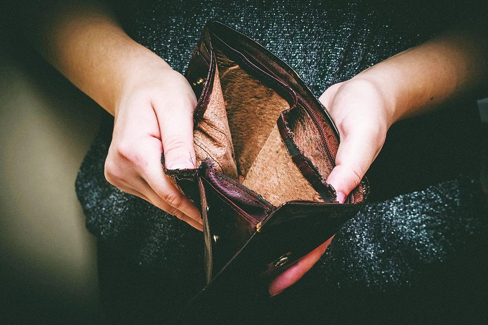 empty-wallet-old-poverty-edit.jpg