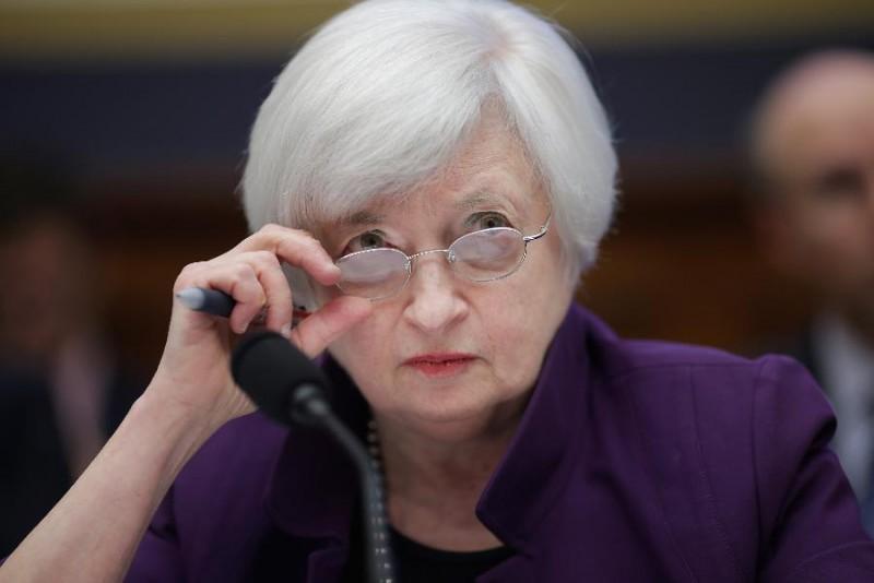 Tiếp theo sau là bà Janet Yellen, chủ tịch Cục dự trữ Liên Bang Mỹ. Bà xếp thứ 7 trong danh sách này, tuy nhiên vẫn thấp hơn một bậc so với vị trí của bà vào năm 2014.