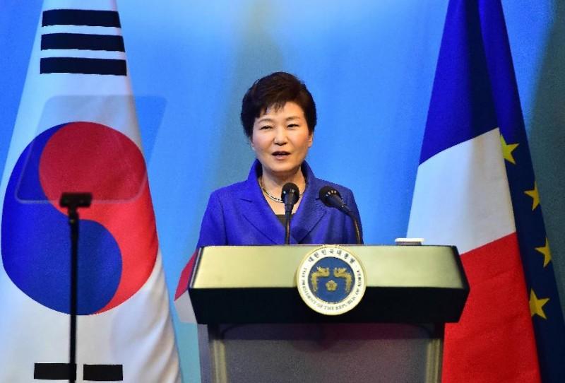 Đứng ở vị trí thứ 43, Tổng thống Hàn Quốc, bà Park Geun-hye tăng 3 hạng so với năm 2014. Với những đóng góp và nỗ lực của bà, kết quả này cũng không phải là quá bất ngờ.
