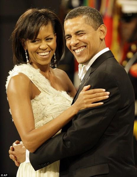Việc ông Obama đề cập đến phía Nam trong lời chúc sinh nhật vợ nhằm ám chỉ phía Nam thành phố Chicago, nơi bà Michelle lớn lên. Địa danh này cũng xuất hiện trong bộ phim