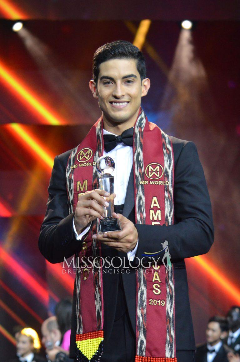 Chàng sinh viên kiêm người mẫu Brian Faugier (Mexico) mặc dù được các bảng xếp hạng đánh giá cao, luôn là ứng viên số 1 cho ngôi vị Nam vương nhưng cuối cùng chỉ đạt danh hiệu Á vương 2 trong đêm chung kết