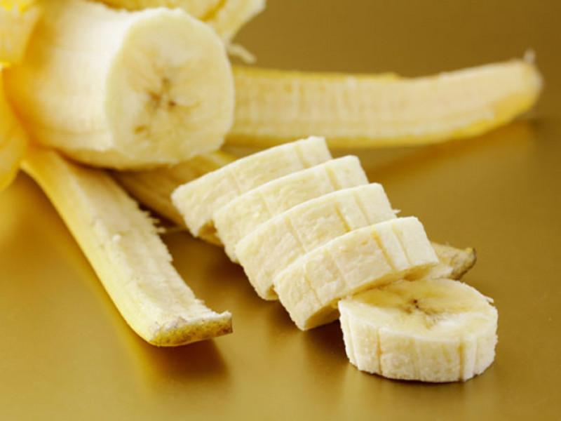 Chuối: Một quả chuối cung cấp gần 32 mg magiê cùng với vitamin C và chất xơ. Các trái cây giàu magiê khác bao gồm bưởi, dâu tây...  Những thực phẩm giàu magiê này rất cần thiết để có trái tim khỏe mạnh.