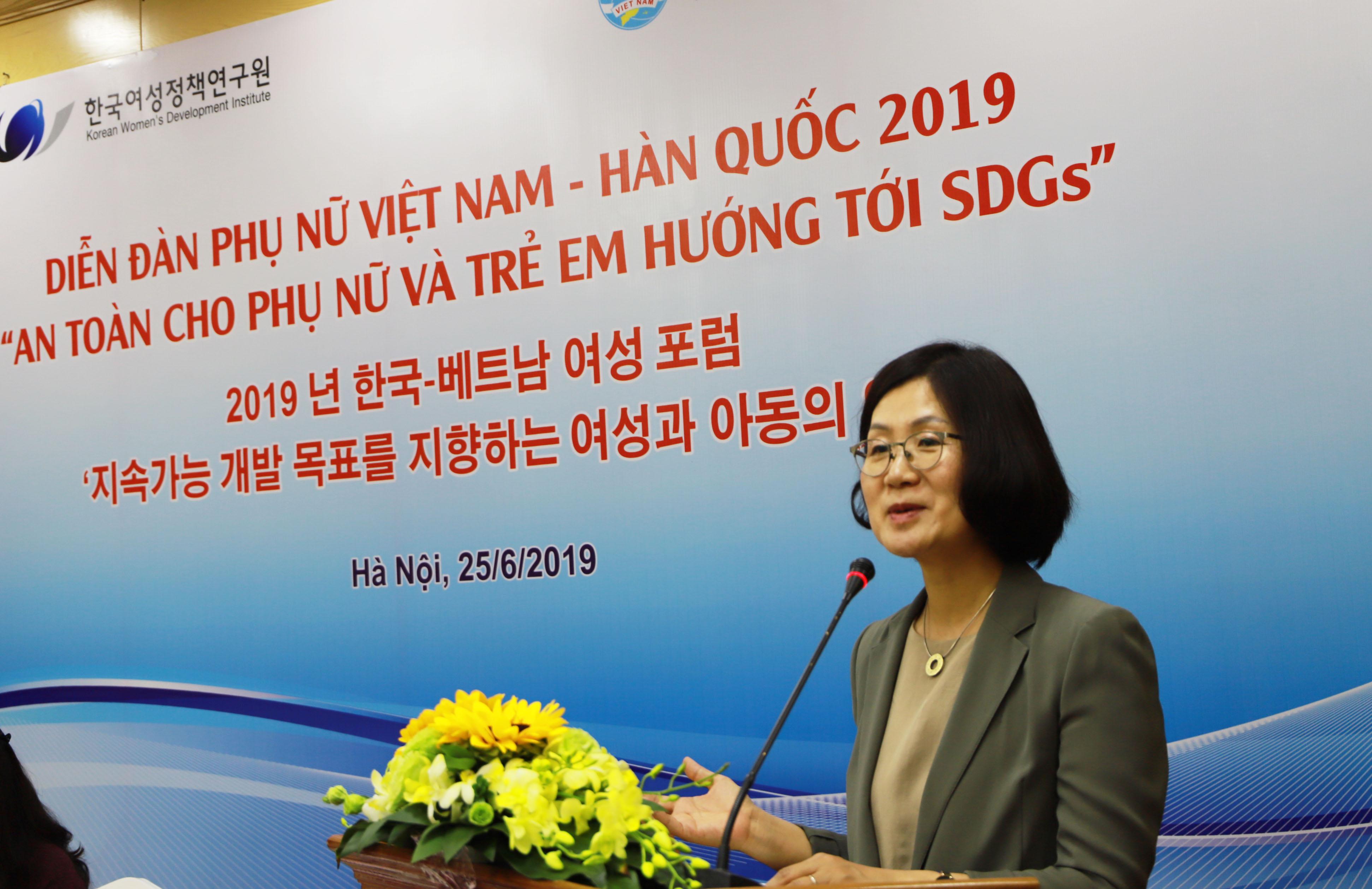 dien-dan-phu-nu-viet-nam-han-quoc-lan-thu-7-f.jpg