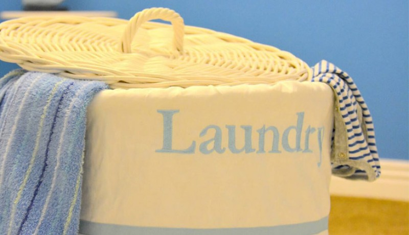 Kiểm tra nước giặt của bạn: Những loại nước xả vải có mùi thơm thường gây kích ứng da và làm trầm trọng thêm tình trạng mụn nhọt. Vì vậy hãy đổi sang một công thức xả vải không có mùi hoặc dành cho da nhạy cảm để tránh những phản ứng không mong muốn.