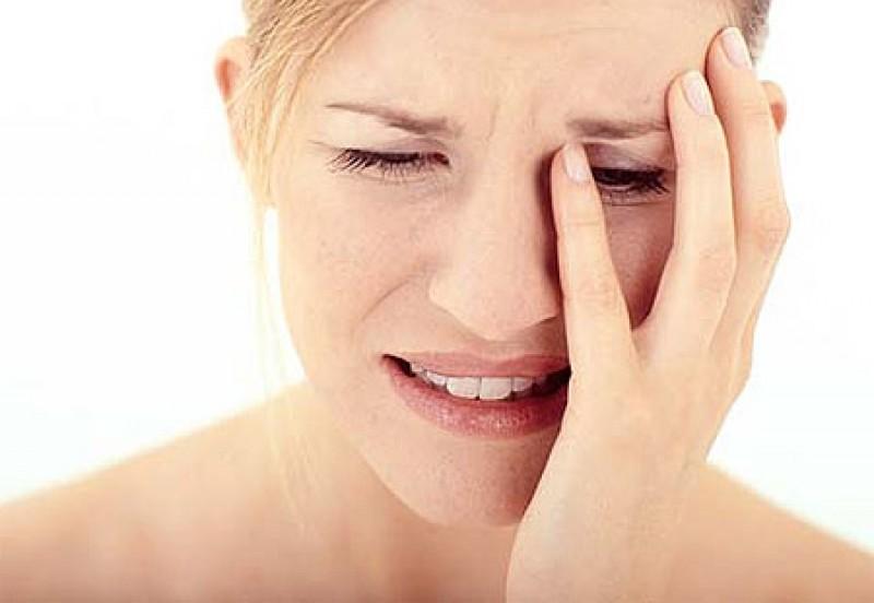 Người buồn phiền và thất vọng 'mãn tính': Forbes cũng nói rằng có tới 59% có bạn là người luôn cảm thấy thiếu thốn sự quan tâm và thể hiện cảm xúc thái quá.