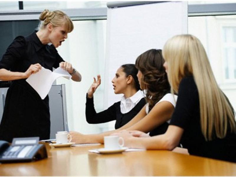 Người chỉ trích: 55% trong số chúng ta có một người bạn lúc nào cũng tự coi mình là đúng và đi chỉ trích những người khác, theo Forbes.