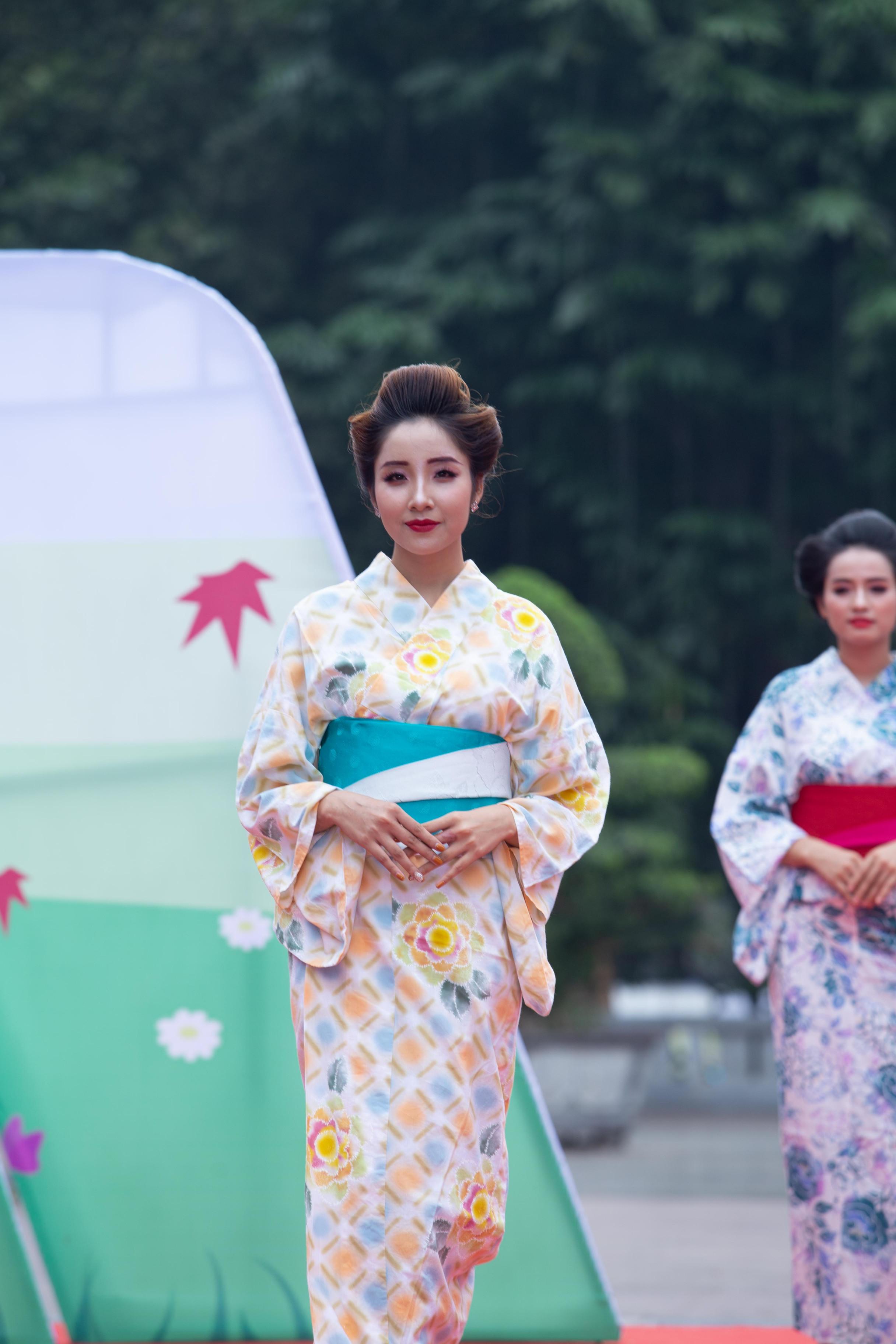 Người mẫu Hoàng Trang