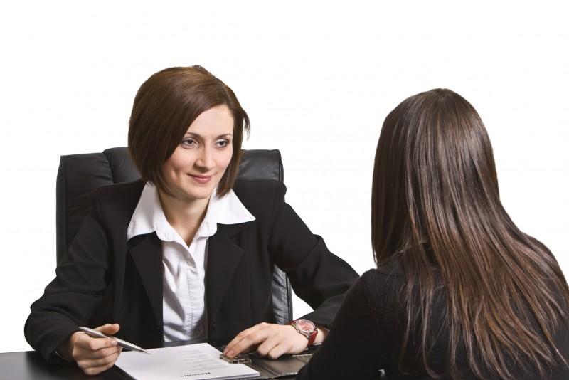 Bí mật 1: Bạn đang xin việc ở rất nhiều nơi và đang phải nói chuyện với rất nhiều các nhà tuyển dụng khác.