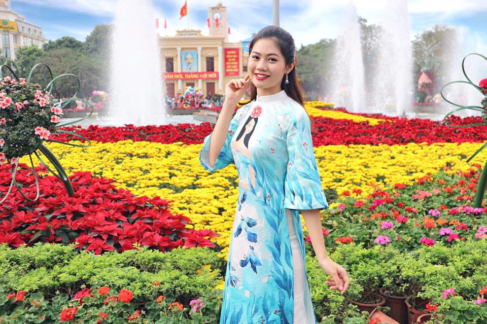 Hoa khôi Miss Photo 2017 Vũ Hương Giang về Hải Phòng ăn Tết cùng gia đình. Năm Kỷ Hợi này cũng là