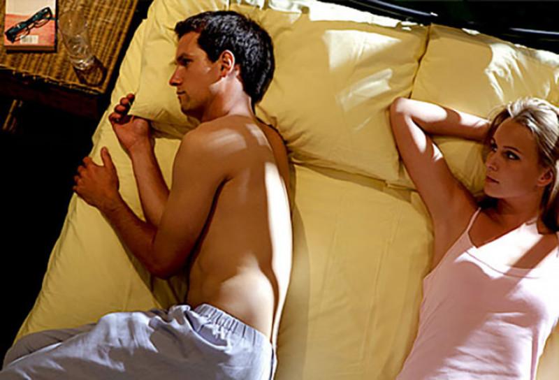 Ham muốn tình dục thấp không giống như rối loạn cương dương. Nhưng rất nhiều yếu tố kiềm chế sự cương cứng cũng có thể làm giảm ham muốn tình dục. Sự tự ti, căng thẳng, lo âu và một số loại thuốc đều có thể làm giảm ham muốn tình dục của bạn.