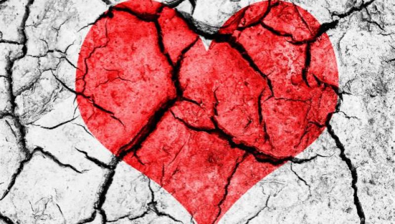 7.Nói lời xin lỗi: Trong cuộc sống có những xung đột mà một lời xin lỗi không thể giải quyết tất cả. Tuy nhiên, lời nói ấy khi được nói ra chân thành sẽ cho bạn một cơ hội để tha thứ cho bản thân và khiến đối phương nhận ra sự hối lỗi thực sự của bạn.