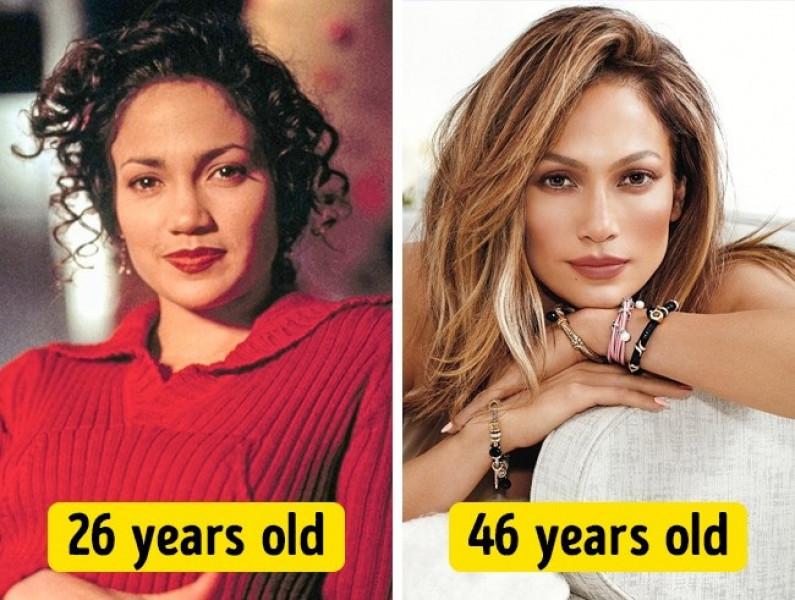 Jennifer Lopez cũng vậy, thời điểm năm cô 46 tuổi trông còn trẻ đẹp hơn lúc 26 tuổi.