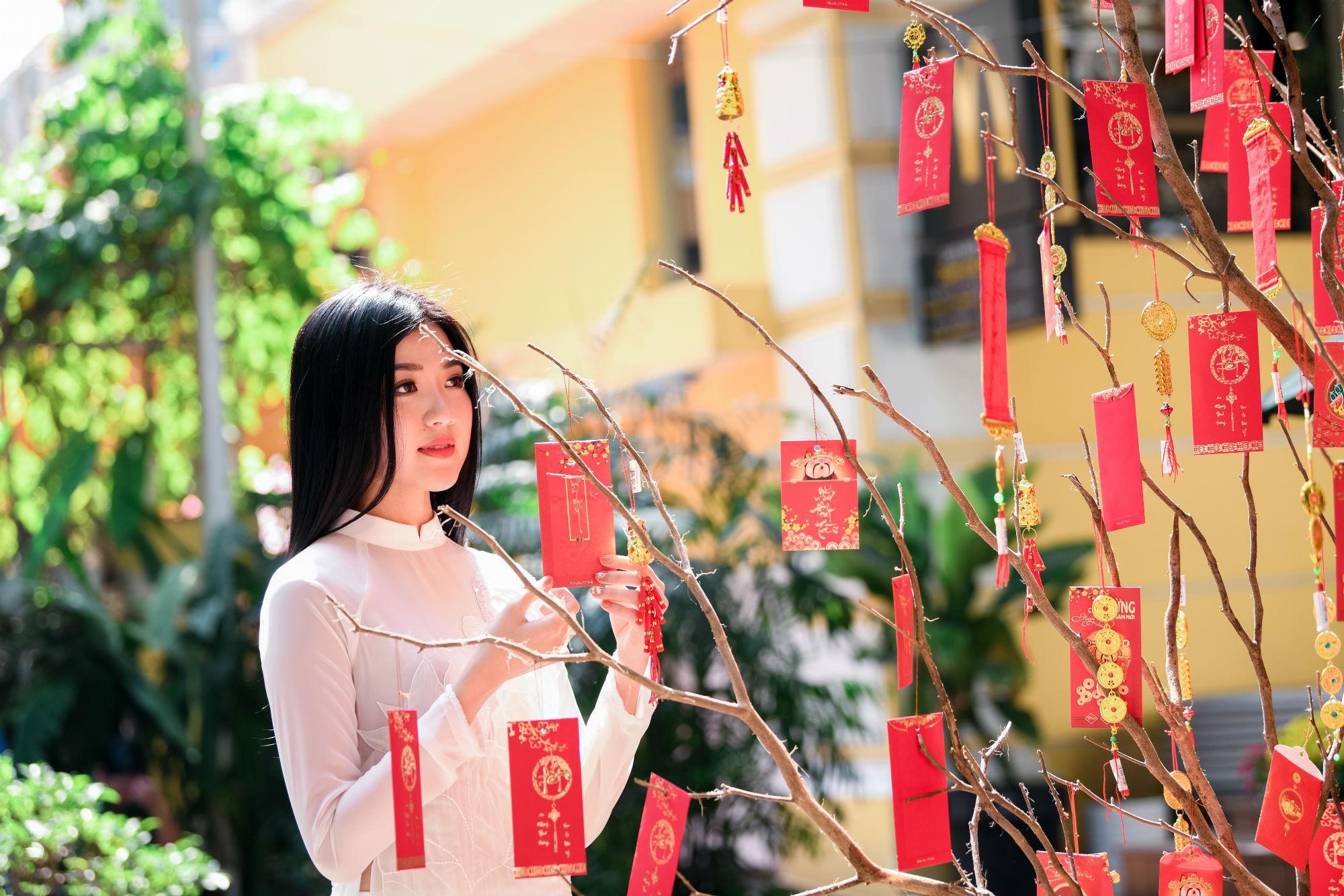 Chia sẻ ước mơ trong tương lai, Lương Huyền Thanh mong muốn ngày càng hoàn thiện bản thân để thành công trên con đường sự nghiệp phía trước.