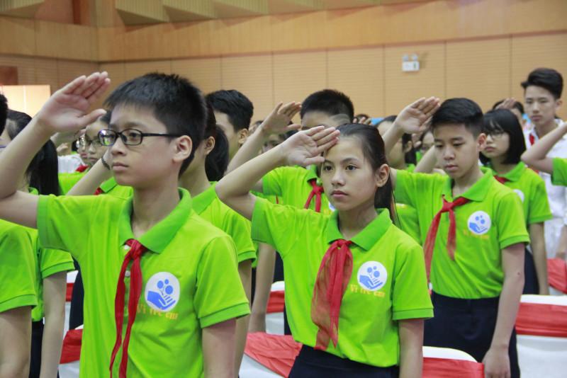 Theo UNICEF tại Việt Nam, bạo lực, xâm hại trẻ em là một vấn đề toàn cầu. Trên thế giới, ước tính có 120 triệu trẻ em gái và 73 triệu trẻ em trai là nạn nhân bị bạo lực tình dục, và gần một tỷ trẻ em thường xuyên phải chịu hình phạt thể chất.