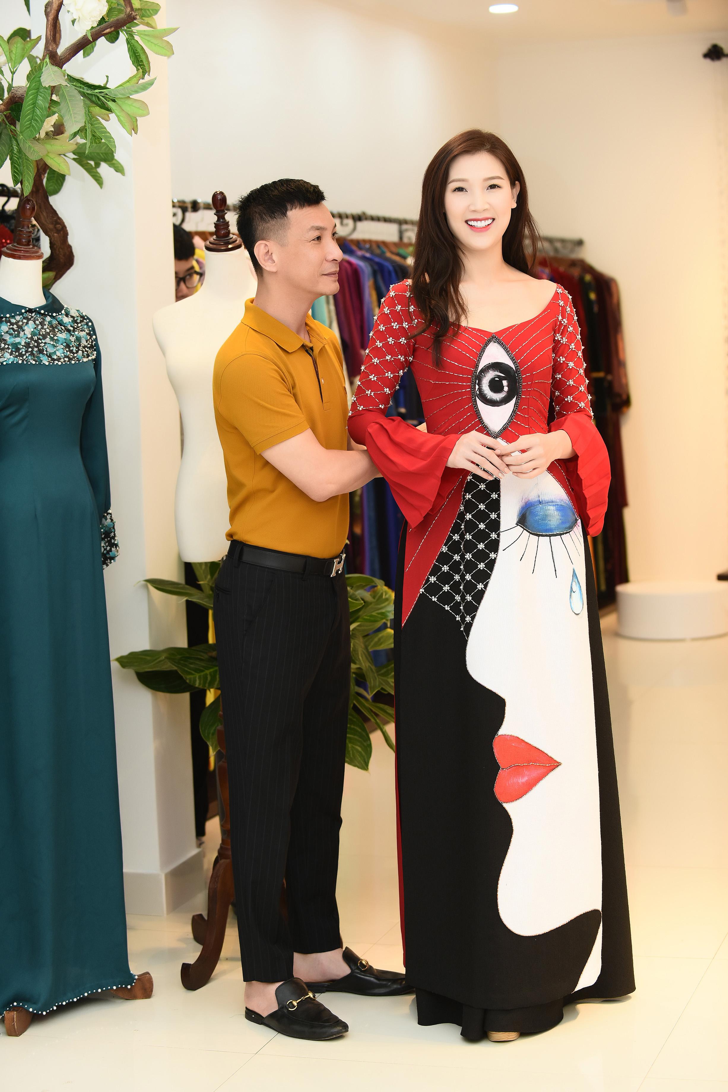 Mrs Áo dài 2018 Phí Thùy Linh