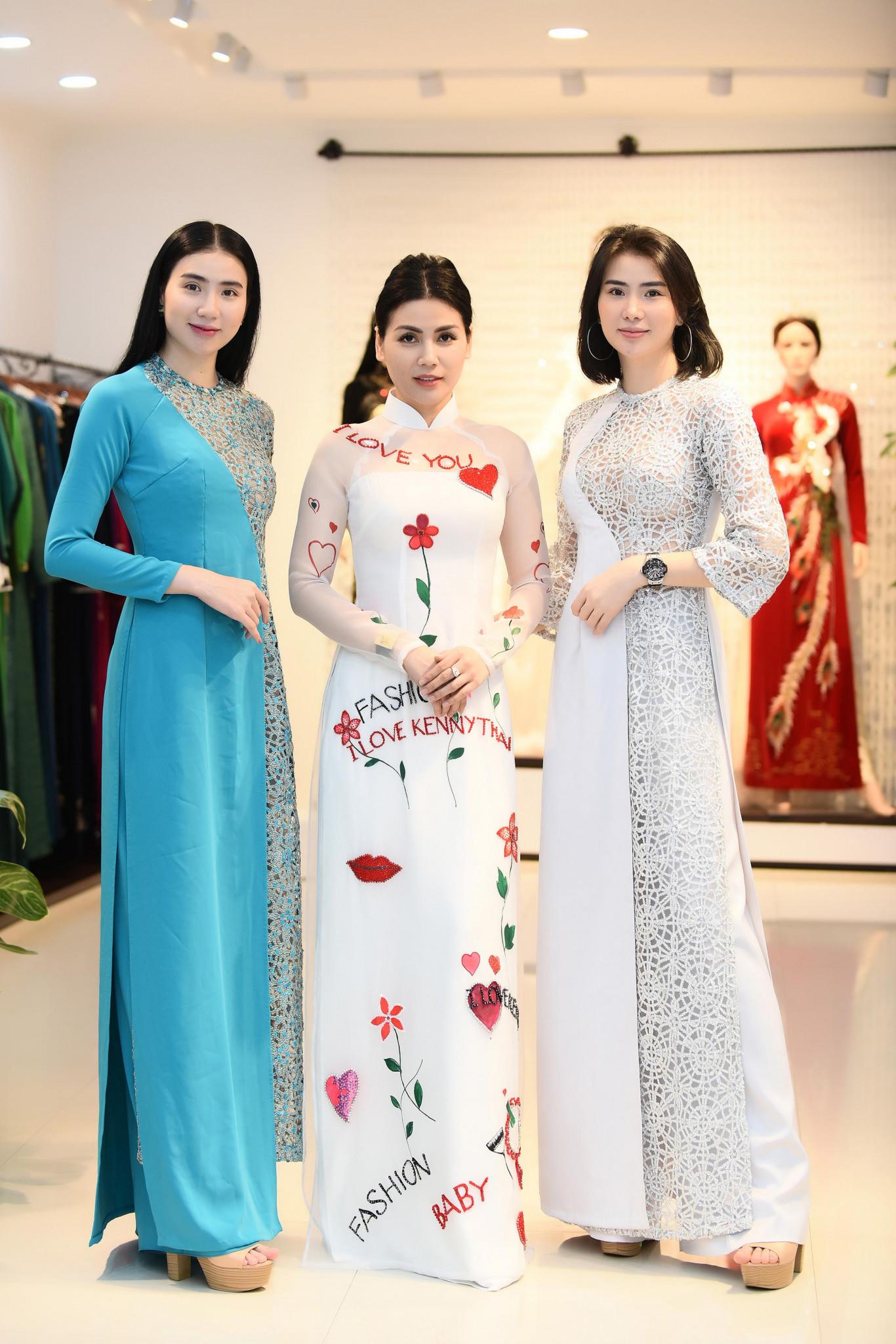 Diễn viên Quỳnh Hoa và chị em người mẫu Thư Huyền - Huyền Thư