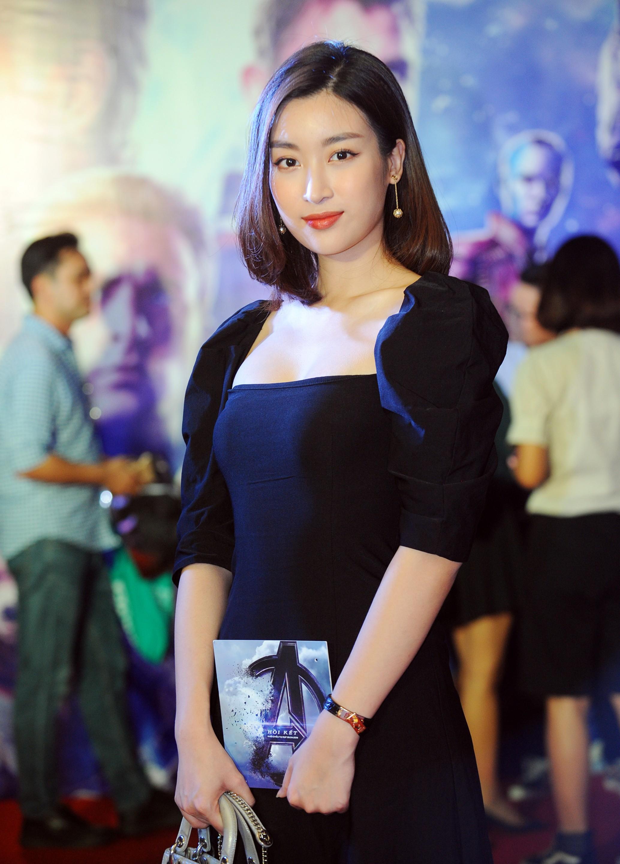 Là một fan của Vũ trụ điện ảnh Marvel, Hoa hậu Việt Nam 2016 Đỗ Mỹ Linh cũng không thể vắng mặt trong buổi công chiếu