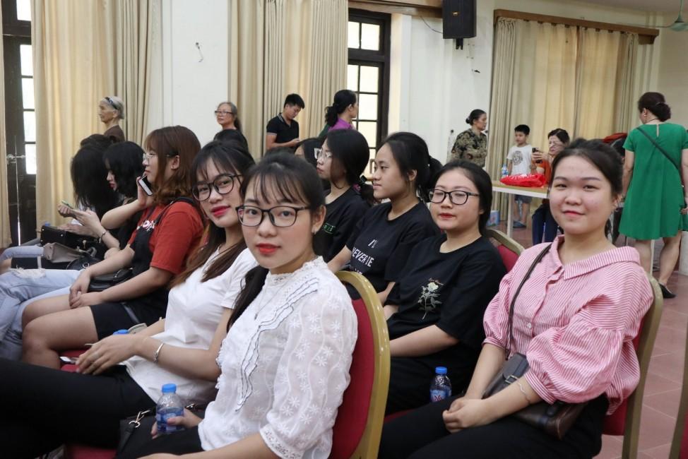 """Ngày 30/8, tại Học viện Phụ nữ Việt Nam (Hà Nội) có hơn 300 đại biểu tham dự hội thảo """"Sức khỏe và an toàn thực phẩm 2019""""."""