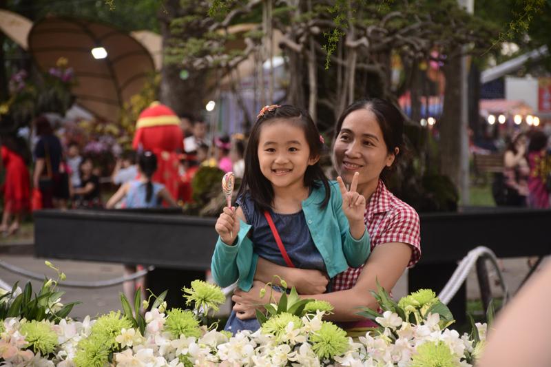 Hội hoa Xuân 2018 được thiết kế, tạo cảnh quan mang đậm chất nghệ thuật dân gian, giàu tính dân tộc.