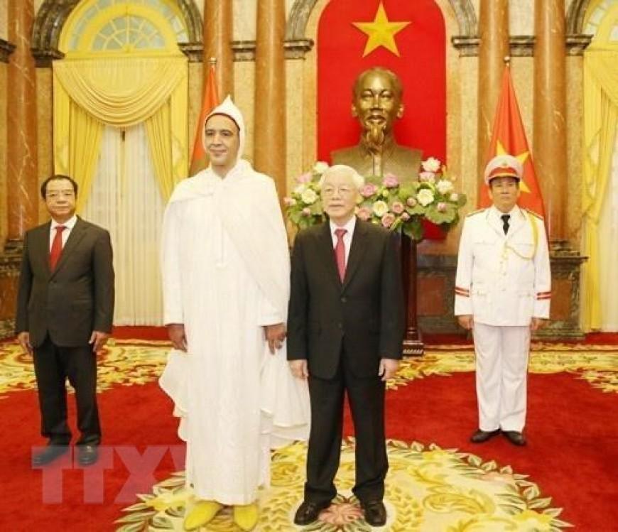 Tổng Bí thư, Chủ tịch nước Nguyễn Phú Trọng tiếp Ông Jamal Chouaibi, Đại sứ Đặc mệnh toàn quyền Vương quốc Maroc tại Việt Nam đến trình Quốc thư. (Ảnh: Trí Dũng/TTXVN)
