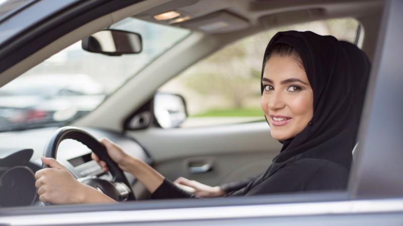 phu-nu-arab-saudi-lai-xe.jpg
