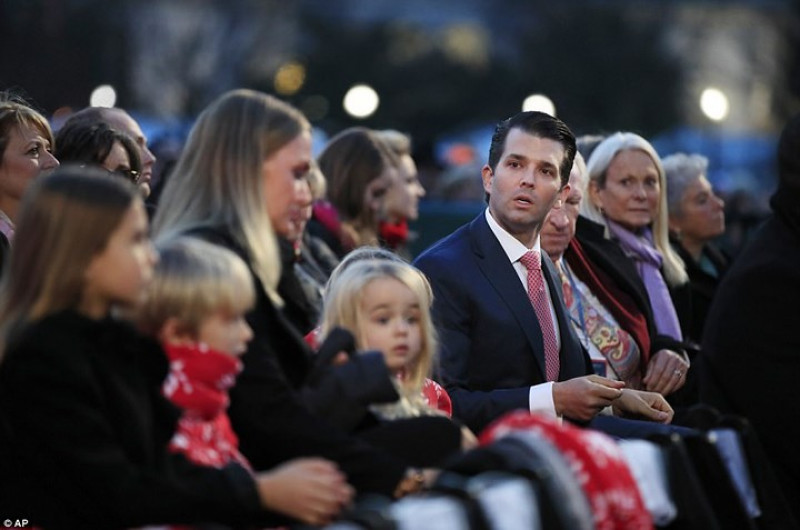 Gia đình của của Donald Trump Jr. cũng có mặt. Ảnh: AP.