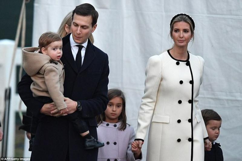 Sự kiện thắp sáng cây Giáng sinh quốc gia còn có sự góp mặt của gia đình con gái cả của Tổng thống, Ivanka Trump. Ảnh: AFP/Getty.