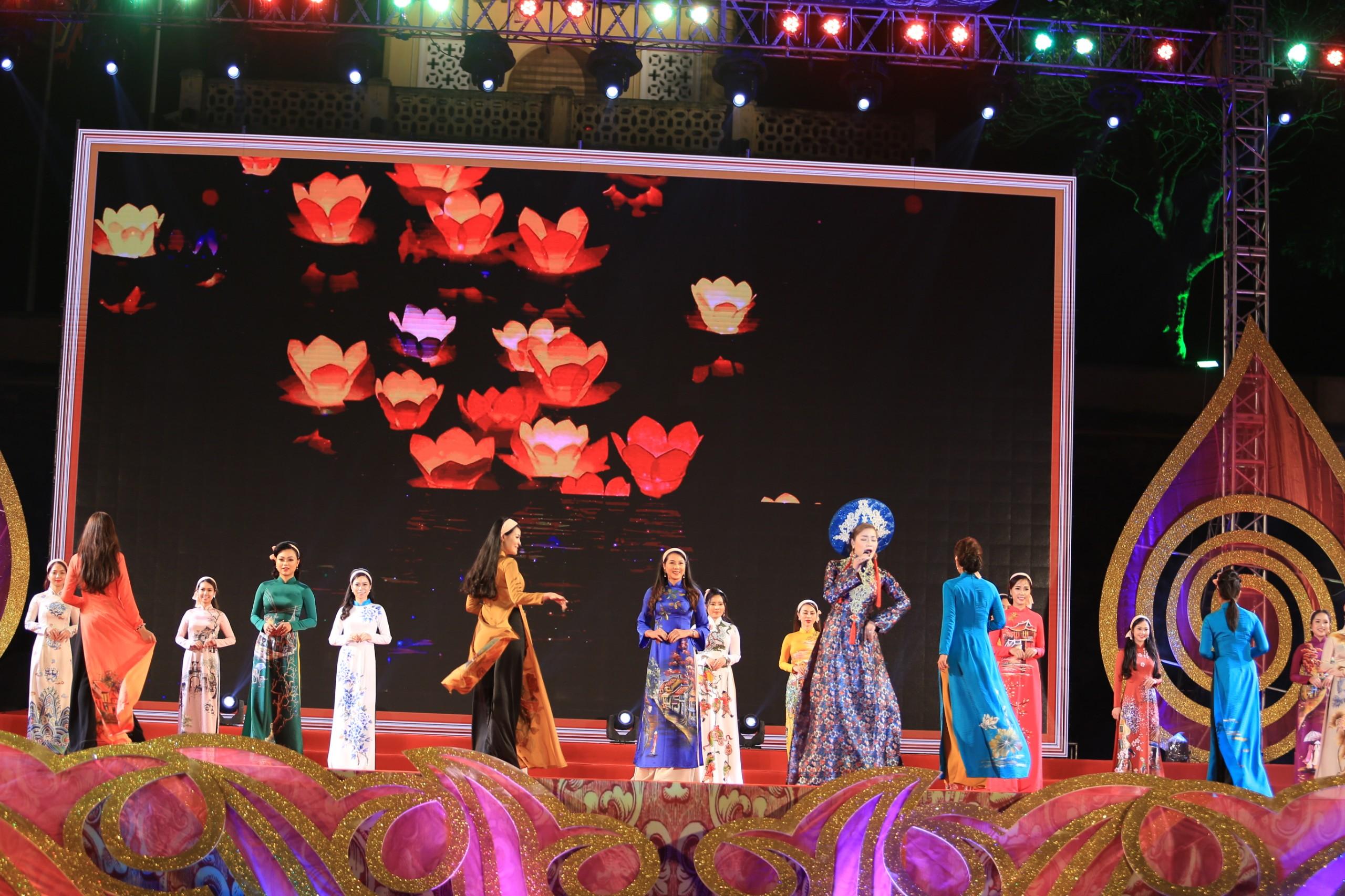 """Với mong muốn gìn giữ, phát huy văn hóa Việt Nam tiên tiến đậm đà bản sắc dân tộc, """"Festival Văn hóa truyền thống Việt và giao lưu quốc tế 2019"""" là một điểm sáng trong các hoạt động văn hóa nổi bật của Thủ đô trong tháng 4 này."""