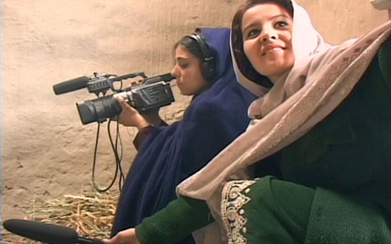 nha-bao-nu-afghanistan-2.jpg
